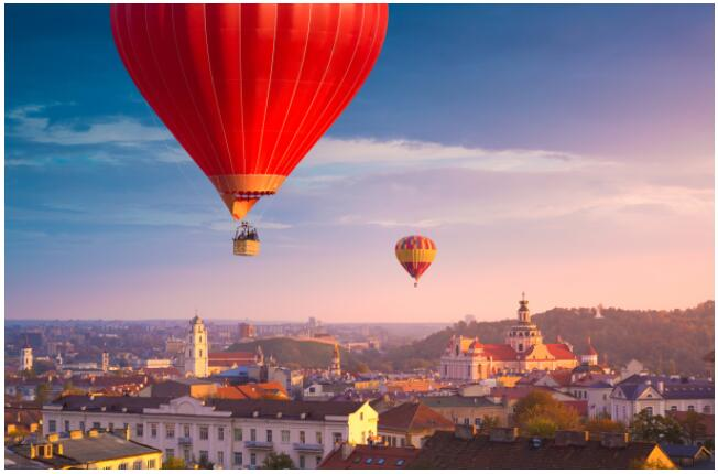 FLIGHTS, ACCOMMODATION AND MOVEMENT IN VILNIUS